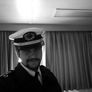 Pablo Fernández, de Argovejo (León), capitán del buque oceanográfico Sarmiento de Gamboa.
